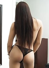 Sensual Exotic shemale VITRESS TAMAYO in black lingerie stripping at home