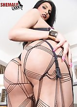 Marjorie Luvana is a beautiful tgirl with a sexy curvy body, big sexy boobs, a nice juicy ass and a delicious uncut cock! Watch this hot transgirl pla